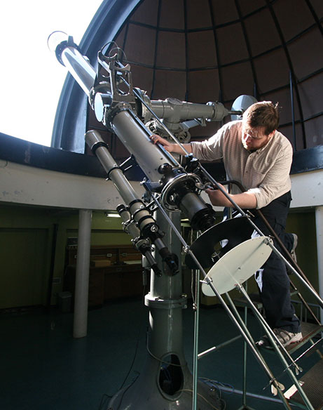 Mike-and-telescope_8168_orig